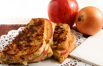 grilled-cheese-with-apple
