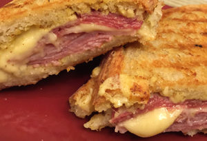 recipe-grilled-cheese-with-apple-and-gouda